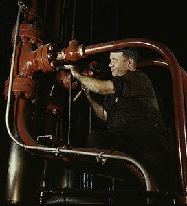 01Adjusting-pipes Combustion Eng Chattanooga