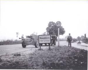 Anti Tank gun going to Maastricht