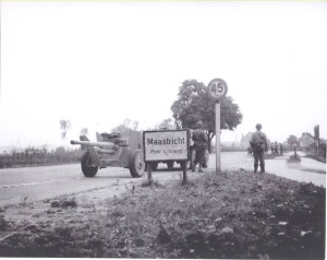 Anti Tank gun going to Maastricht